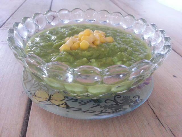 Crema de guisantes con maíz