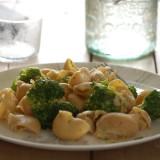Cochiglioni con ajo y brócoli