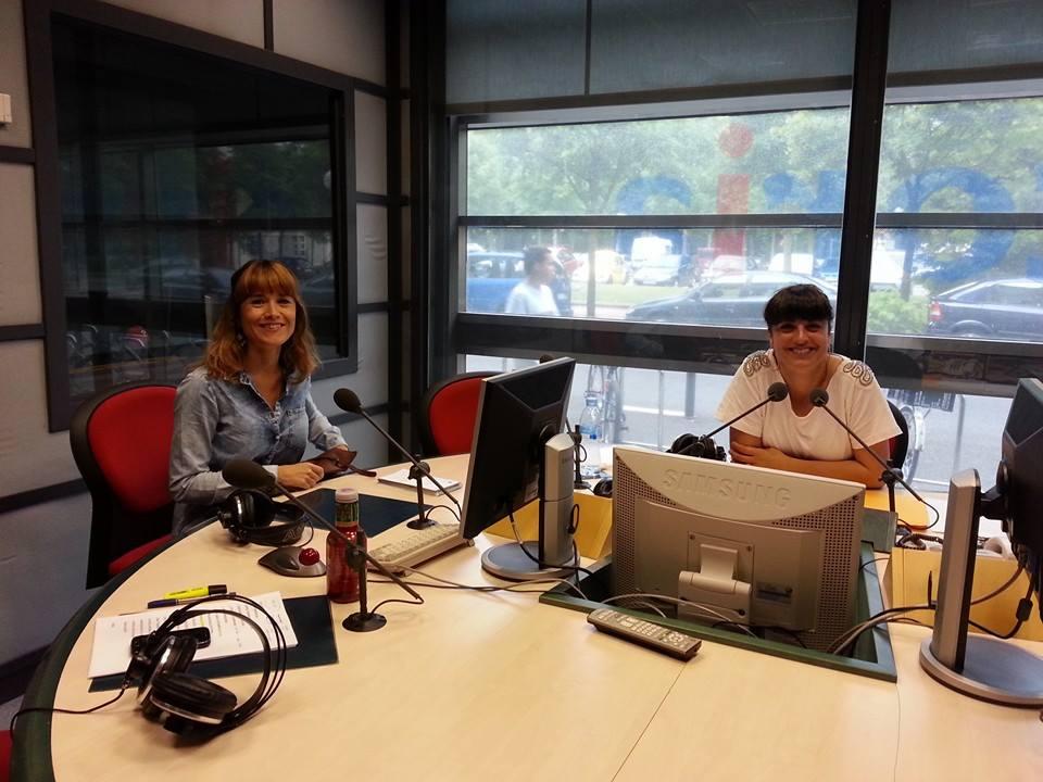 Con Isabel Irigoyen en los estudios de Radio Vitoria