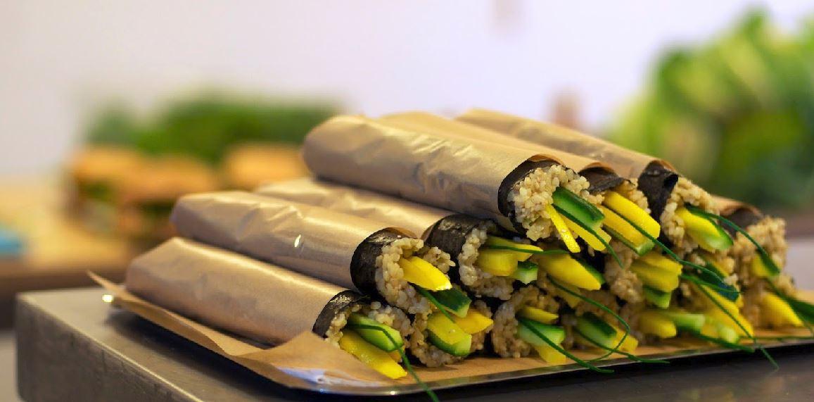 Foto de Bob's Kitchen, rollitos de sushi