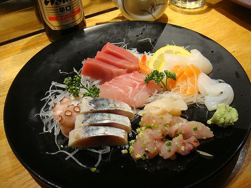 Sashimi Moriawase del restaurante Isami. Foto tomada por un cliente.